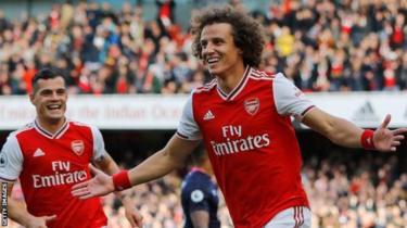 Arsenal wako tayari kumpatia mchezaji wa nafasi ya ulinzi David Luiz,