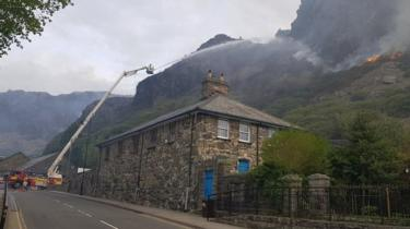 Fire crews tackling the Blaenau Ffestiniog mountain fire