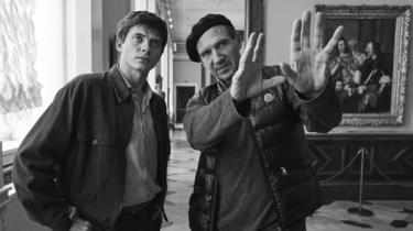 Ralph Fiennes directing Oleg Ivenko