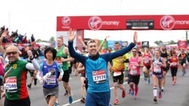 Runners taking part in London Marathon