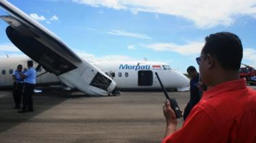 Pesawat Merpati kecelakaan saat mendarat di bandara El Tari di Kupang pada 10 Juni 2013.