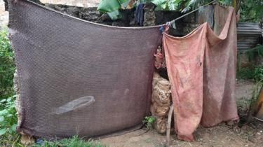 Rumah Peninah Bahati Kitsao di Mombasa, Kenya.