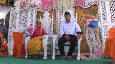 Akad nikah dan resepsi perkawinan yang melibatkan siswi SD dan pemuda berusia 21 tahun di Sulawesi Selatan, dinyatakan batal oleh pihak keluarga, Selasa, 8 Mei 2018.