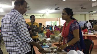 சென்னைவாசிகளுக்கு சந்தை அனுபவம் தரும் பெண் விவசாயிகள்