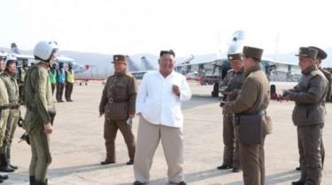 Mara ya mwisho Kim Jong un alipigwa picha katika sherehe ya kukagua gwaride tarehe 12 Aprili
