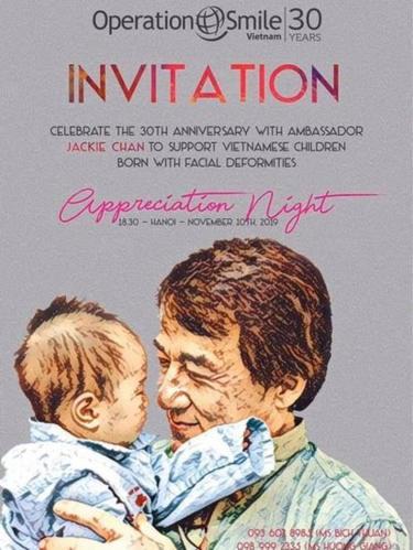 Poster có hình Thành Long của tổ chức Operation Smile