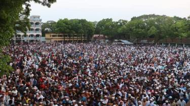 حضر الآلاف جنازة نصرت