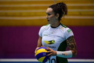 Brazilian transsexual volleyball player Tifanny Abreu takes part in a training session in Barueri, Sao Paulo