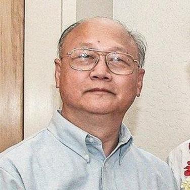 Tác giả Nguyễn Quốc Khải là cựu chuyên viên kinh tế và tham vấn của Ngân Hàng Thế Giới