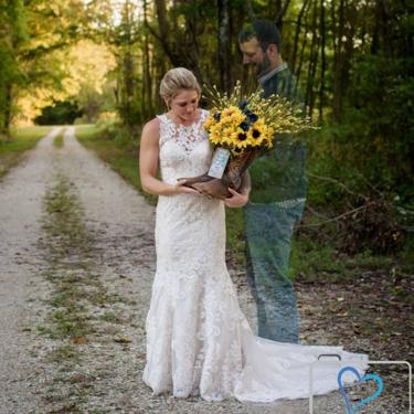 Photographer Mandi Knepp surprised Jessica with a final picture side-by-side with her fiance