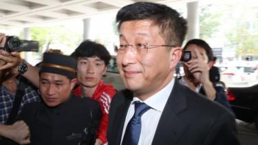 Kim Hyok-chol arriving at a hotel in Hanoi February 2019