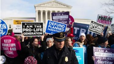 Protesters for and against abortion outside the supreme court