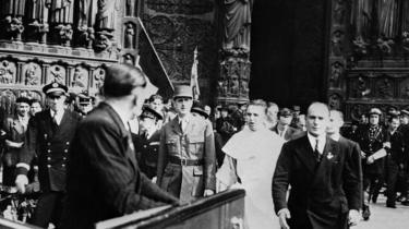 Charles de Gaulle at Notre-Dame, 25 August 1944