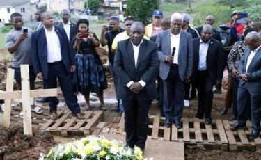 President Ramaphosa laying a wreath