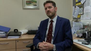 Dr Iain Kennedy