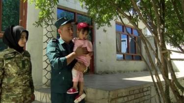 ساجده می گوید که دوست دار در کنار انجام وظیفه مادر خوب برای دخترش باشد