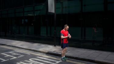 Testing devices in the real world, rather than on treadmills, would provide more accurate results, experts said