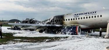 Wreck of plane at Sheremetyevo, 5 May 19
