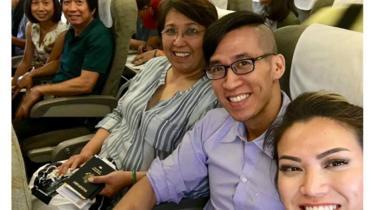 Will Nguyễn và gia đình trong chuyến bay rời Sài Gòn sau phiên xử hôm 20/7/2018