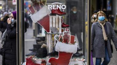 Berlin shopping street before Christmas 2020