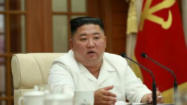 Kim Jong-un chairs a meeting on 25 Aug