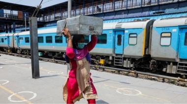 Delhi station platform, 1 Jun 20
