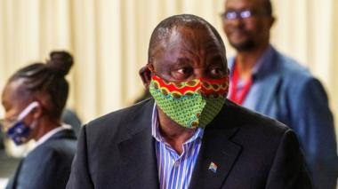 South African President Cyril Ramaphosa visits a coronavirus treatment facility