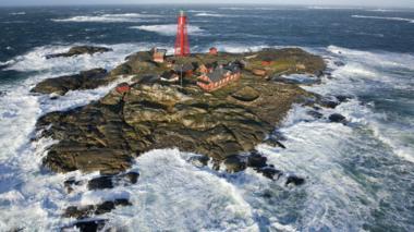 Pater Noster lighthouse on Hamneskär island