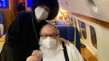 Jonathan Pollard and his wife Esther on board a private jet flying to Tel Aviv