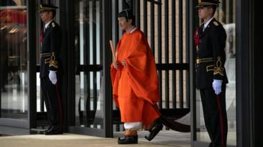 Prince Fumihito leaves the imperial palace after being declared second in line to the throne