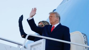 Donald and Melania Trump board Air Force One