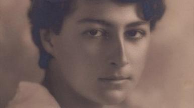 Muriel Gardiner at Wellesley College 1918
