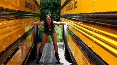 Clarissa Ko on rollerblades
