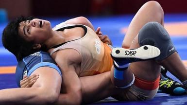 Divya Kakran wrestling