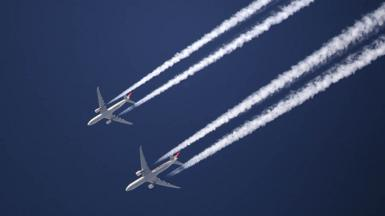 Contrails from commmercial flights