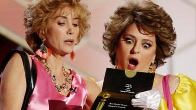 Kristen Wiig, left, and Annie Mumolo at the Golden Globe awards