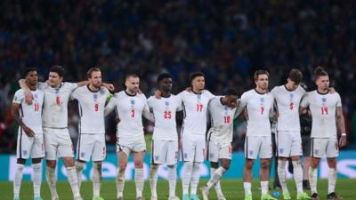 Euro 2020: Send in your messages for the England team - CBBC Newsround