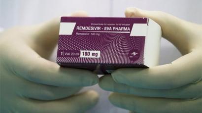 """肺炎疫情:美國買光治新冠藥物""""瑞德西韋""""招來歐洲國家不滿- BBC News 中文"""