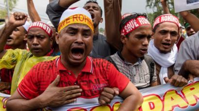 মিয়ানমারে রোহিঙ্গা নির্যাতনের বিরুদ্ধে মালয়েশিয়ায় রোহিঙ্গা শরণার্থীদের বিক্ষোভ