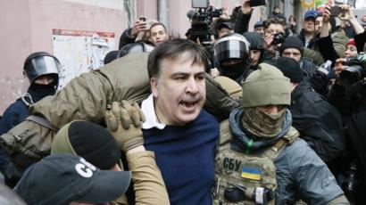 В Киеве задержали Саакашвили: он помещен помещен в изолятор временного содержания
