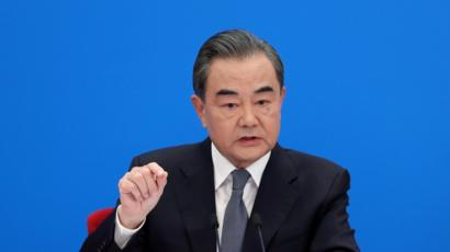 Coronavirus: China accuses US of spreading 'conspiracies' - BBC News