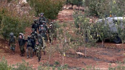 جنود أسرائيليون خلال تمشيط لمنطقة الحدود مع لبنان