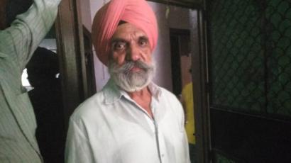 【インド首都】ブラリで吊るされた10人+1人家族 全員 目隠し、口かせ、両手を後ろ手で縛られる 犬だけ生き残る YouTube動画>2本 ->画像>20枚