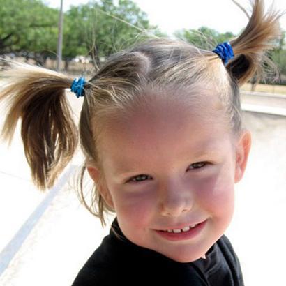 Ella aos quatro anos de idade, quando foi assassinada pelo irmão