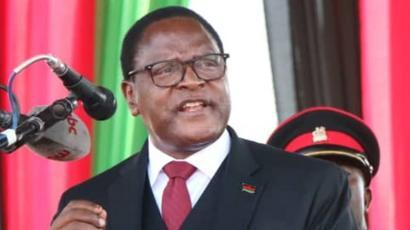 Lazarus Chakwera sworn in as Malawi president after historic win ...