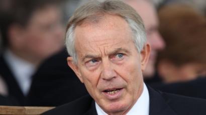 توني بلير رئيس وزراء بريطانيا السابق التحرش يحدث في البرلمان لكن
