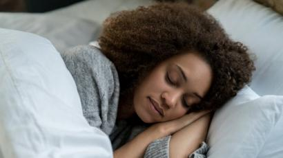 Крепкий сон может помешать наступлению болезни Альцгеймера