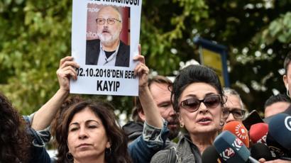 وقفة تضامنية مع خاشقجي أمام القنصلية السعودية في اسطنبول