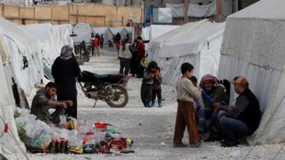 خيام تؤوي السوريين النازحين بسبب القتال في إدلب