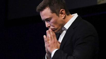 Elon Musk tweet wipes $14bn off Tesla's value - BBC News